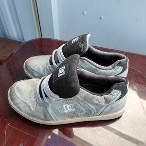 DC skateboard shoes